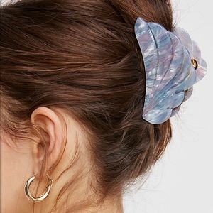 Free People claw hair clip